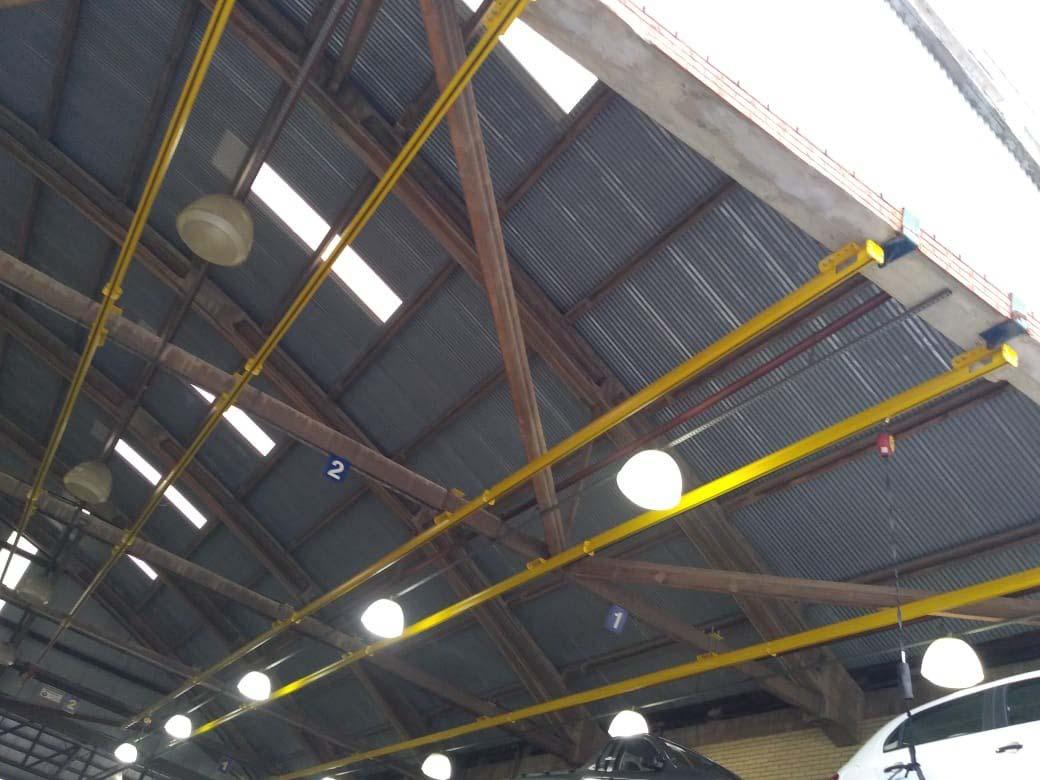 Instalação de linha de vida em telhados