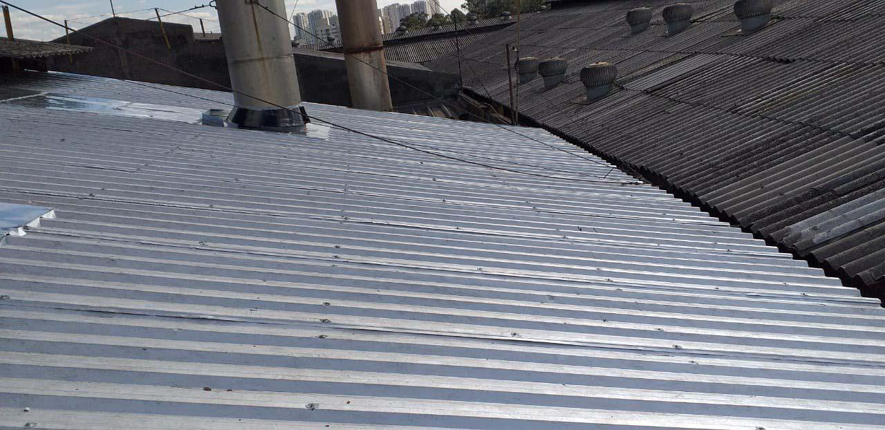 Manutenção de telhado metálico