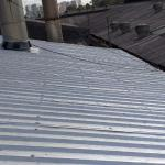 Manutenção de telhado metálico title=